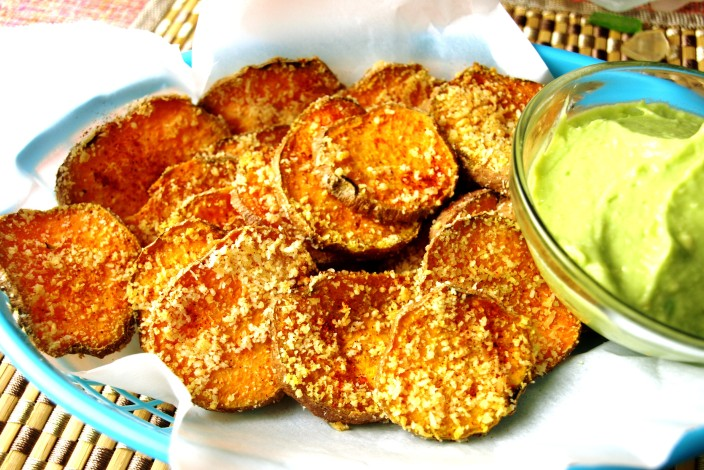 "Coconut Sweet Potato Rounds with Avocado Lime ""Mayo"" dipping sauce"