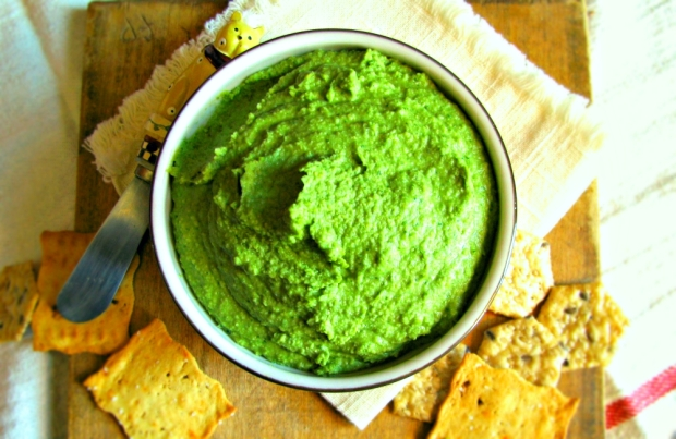 Glowing Green Artichoke and Spinach Hummus - Vegan