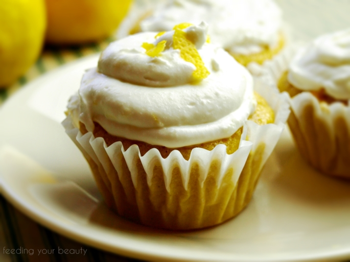 lemoncupcakeonplate with waternark
