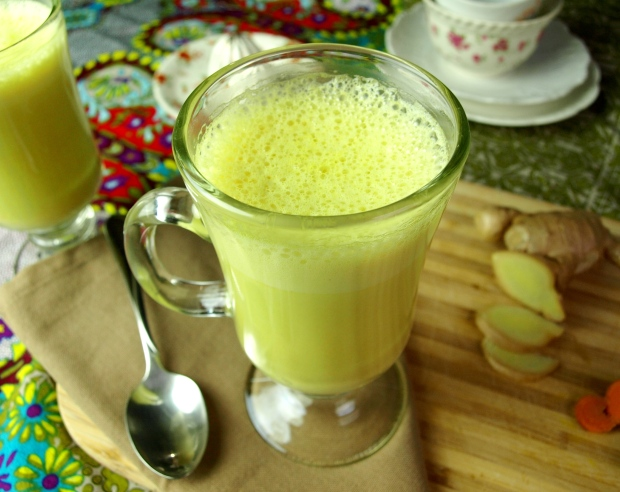 Fresh Turmeric Milk Latte