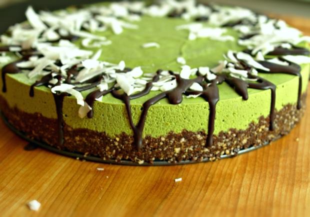 Vanilla Matcha Cheesecake (vegan, gluten-free)