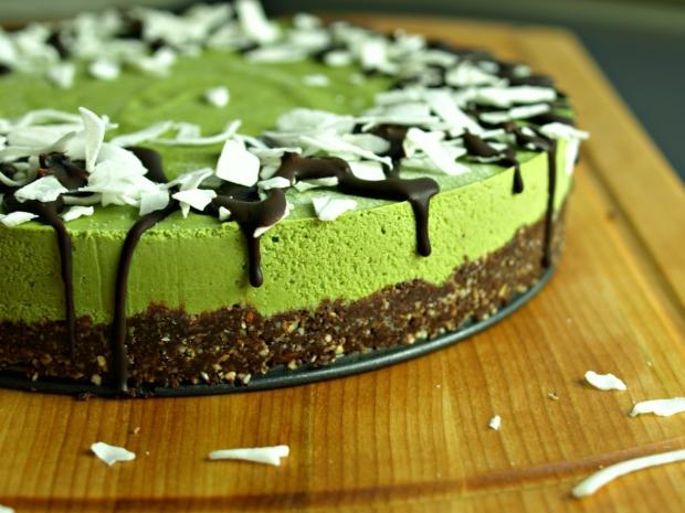 Vegan Vanilla Matcha Cheesecake (gluten-free, no-bake)