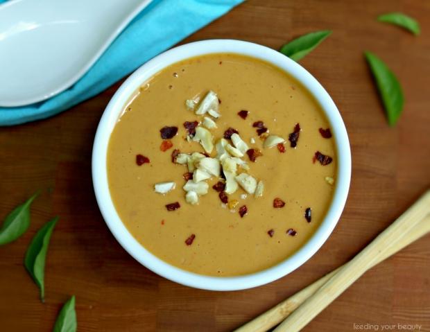 Easy Peanut Sauce | feedingyourbeauty.com