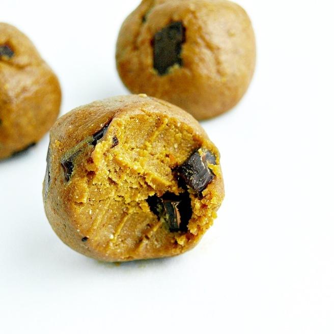 Pumpkin Chocolate Chunk Cookie Dough - 3 Ways (vegan, gluten free, oil free)