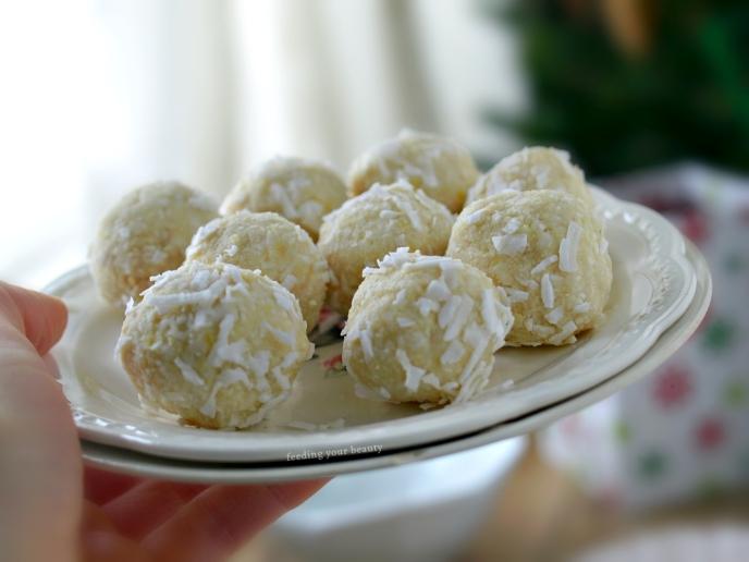Raw White Chocolate Lemon Macaroons