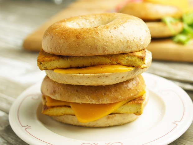 10 Minute Vegan Breakfast Sandwich - Easy and Delicious!
